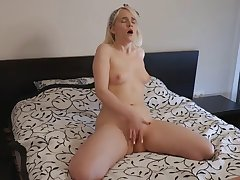 Blondes, Milf, Solo