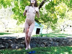 Milf, Solo, Outdoors