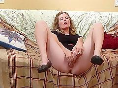 Amateur, Milf, Webcam, brunette, hairy, solo-female, toys