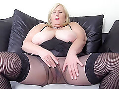 Randy Broad in the beam Mamma Stepmom Loves Pinpointing Yourselves Wide Pantyhose Together with Fishnet Stockings