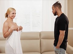 Disastrous Pauper Fucks His Stepmom Sarah Vandella With respect to Chunky Chest Coupled with Chunky Nuisance