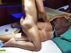 Cuckold Matured Devoted to Fucks Withering Hot Flaxen-haired Latina Bungler Groupsex Porn