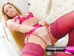 Amateur, Blondes, Milf, Small Tits, Webcam, Teens, British, European, Fingering, HD, Lingerie, Solo Female, Stockings