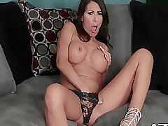 Mackaylas Hot Moisture Pussy Come to a head mount Milf Swill Dildo Gender