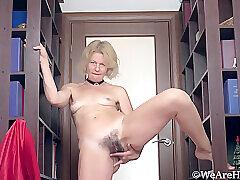 Amateur, Blondes, Fetish, Milf, Webcam, HD, Hairy, Solo Female, Stockings